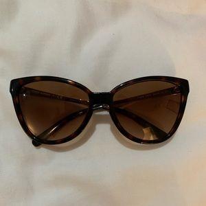 Tory Burch Tortoise Sunglasses Cat-eye foldable